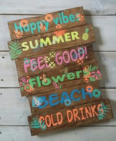 Thema Hawaii, Painted Wooden Signs, Beach Signs, Pool Signs, Ibiza Fashion, Happy Vibes, Pallet Art, Boho Diy, Party Signs