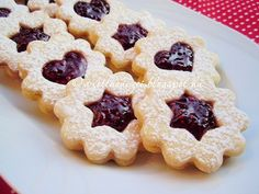 Az otthon ízei: Lekváros linzer (Spitzbuben) Hungarian Recipes, Strudel, Cookie Recipes, Waffles, Favorite Recipes, Sweets, Cookies, Eat, Breakfast