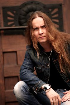 Listen to music from Jarkko Ahola like Romanssi, Holy Diver & more. Find the latest tracks, albums, and images from Jarkko Ahola. Isfp, Metal Bands, Listening To Music, Pretty Face, Heavy Metal, Portrait Photography, Pin Up, Singer, Long Hair Styles