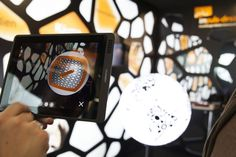 Augmented Reality auf der Exponatec. Konzipiert und realisiert von Impuls-Design.