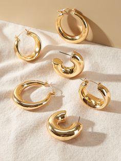Ear Jewelry, Trendy Jewelry, Modern Jewelry, Jewelry Trends, Photo Jewelry, Jewelery, Vintage Earrings, Gold Earrings, Jewelry Photography
