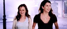 Gilmore-Girls-lorelai-and-rory-gilmore-29211552-500-214