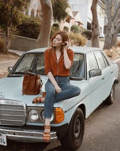 Courtney Halverson - Simple + Beyond. French Fashion, Look Fashion, Girl Fashion, Winter Fashion, Vintage Fashion, English Style Fashion, Trendy Outfits, Girl Outfits, Cute Outfits
