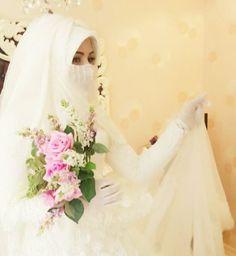 Beauty Niqabi Bride Muslimah Wedding Dress, Muslim Wedding Dresses, Muslim Brides, Wedding Party Dresses, Bridal Hijab, Hijab Bride, Beautiful Hijab, Beautiful Bride, Hijab Dress Party