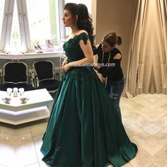 Emerald Green Satin Engagement Dresses Lace Off Shoulder Prom Dress Ball Gowns