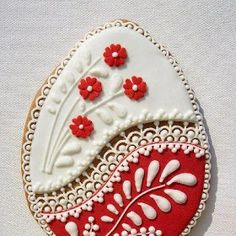 Photo of Hungarian decorated Easter Egg Cookie. The craftsmanship is simply AMAZING (frosting for cookies decorating) Fancy Cookies, Valentine Cookies, Iced Cookies, Easter Cookies, Holiday Cookies, Sugar Cookies, Easter Biscuits, Iced Biscuits, Cookies Et Biscuits
