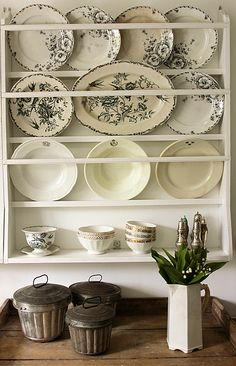 wall rack for plates & platters // Vintage House.I want a shelf like this for my plates and platters. Hanging Plates, Plates On Wall, Decoration Shabby, Deco Champetre, Muebles Shabby Chic, Diy Vintage, Vintage Black, Vibeke Design, Plate Racks