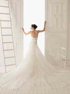 wedding dresses with detatchable trains | ... Style with Detachable Cathedral Train 2013 Wedding Dress - Bupop.com