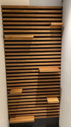 This wall design, made from black Valcromat and Iroko, brings not only nature & warmth into any room, it also can serve as a shelving unit.  #walldesign #wooddesign #shelvedesign #woodwall Tv Wall Design, Wood Design, House Design, Diy Wall Decor, Diy Home Decor, Espace Design, Bathroom Lighting Design, Barber Shop Decor, Corner Seating