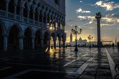 Venezia, aspettando l'alba su Piazza San Marco