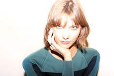 Karlie's New Kut   Into The Gloss
