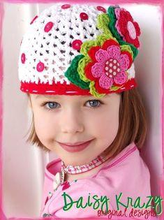 Осенью так хочется красок и ярких цветов! А если цветы расцветут на головном уборе… Вы можете связать для своей малышки удивительную шапочку с цветочками, а я вам в этом помогу.…