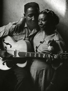 Muddy Waters and his wife Geneva in Chicago (1951) | Art Shay