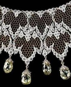 BUCCELLATI ~ 18k White gold and diamond lace necklace with bricoler the cut gemstone drops