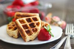 Healthy Low Carb and Gluten Free Waffles shared on https://www.facebook.com/NoBunPlease