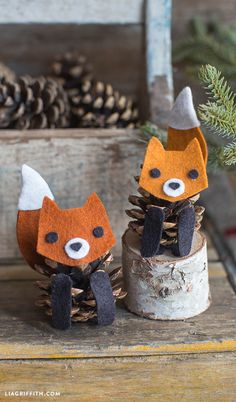 Felt Pinecone Fox - Lia Griffith Felt Pinecone Fox - these would be an adorable craft for the kids Should you really like arts and crafts you will appreciate our site!