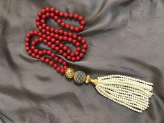 Pompon Perlas Tassel Necklace, Beaded Bracelets, Collar, Tassels, Jewelry, Fashion, Pom Poms, Pearls, Moda