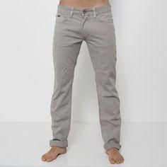 Jeans Gas - 60332  Pantalone tipo jeans, modello 5 tasche in cotone canetè già lavto, chiusura con zip, vestibilità regular. Fondo: 18 cm. Comp.: 100% cotone Dettagli: lavare a 30°.