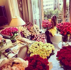 What girl can resist to so many beautiful and lavish roses bouquets? In case you can't decide what color you like the most then maybe y. Blooming Flowers, Love Flowers, My Flower, Beautiful Flowers, Flower Boquet, Sugar Baby, Luxury Living, Simply Beautiful, Beautiful Things