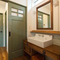 建築士夫妻が棲まうシンプルでナチュラルな白い家