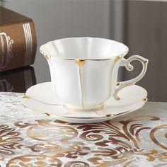 MueYan Bone China Coffee Cup Mug and Saucer Spoon Set Ceramic Mugs Porcelain Tea Cup Tray for Gift Cafe Party Coffee Cups And Saucers, Cup And Saucer Set, Tea Cup Saucer, Porcelain Ceramics, Ceramic Mugs, Fine Porcelain, Cafetiere, Vintage Tea, Vintage Dishes