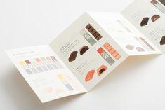 Mme KIKI chocolat : UMA / design farm Leaflet Layout, Leaflet Design, Brochure Layout, Brochure Design, Brochure Food, Print Layout, Layout Design, Print Design, Logo Design