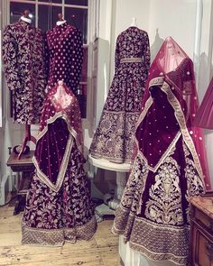 15 Super Ideas For Indian Bridal Outfits Sabyasachi Brides Indian Bridal Outfits, Pakistani Wedding Outfits, Indian Bridal Lehenga, Red Lehenga, Indian Bridal Wear, Pakistani Bridal, Pakistani Dresses, Indian Dresses, Bridal Dresses