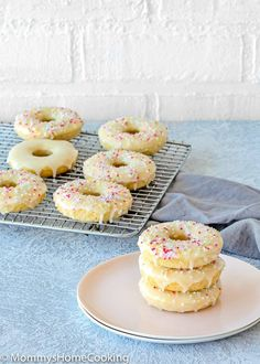Easy Eggless Baked Donuts - Mommy's Home Cooking Eggless Donut Recipe, Eggless Vanilla Cupcakes, Baked Doughnut Recipes, Eggless Desserts, Eggless Recipes, Baked Doughnuts, Eggless Baking, Baking Recipes, Dessert Recipes