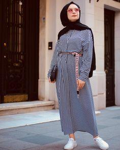 Outfit: 1234 or . Street Hijab Fashion, Muslim Fashion, Modest Fashion, Muslim Dress, Hijab Dress, Casual Hijab Outfit, Casual Outfits, Modele Hijab, Donia