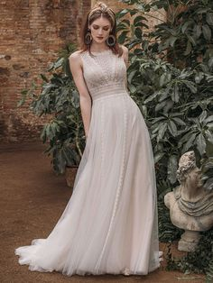 Traumhaftes Brautkleid mit Spitzenapplikationen auf Oberteil. Wedding Dresses, Fashion, Gown Wedding, Curve Dresses, Bride Dresses, Moda, Bridal Gowns, Wedding Dressses, La Mode