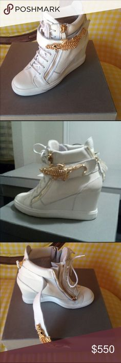 Giuseppe Zanotti Sneakers Authentic Giuseppe Zanotti Design Sneakers (Lorenz 75 Donna). Beautiful white leather with gold accents. The gold alligator goes across the Velcro strap. Beautifully well made sneaker, definitely a statement shoe.👟 Very little wear, like new in box. Giuseppe Zanotti Shoes Sneakers