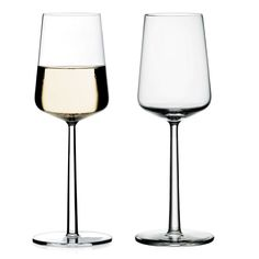 Expertly crafted from glass, enjoy your favourite white wine from these attractive Iittala Essence glasses outdoors and by the pool. Comes in a set of Iittala Essence white wine glasses Set of 2 Glass Dishwasher safe Product code: 9504571 Cheap Wine Glasses, Plastic Wine Glasses, White Wine Glasses, Wine Rack Wall, Wine Bottle Opener, Wine Glass Set, Fine Wine, Glass Design, Drinkware