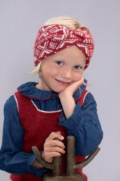 DG400-07 Cortina kids pannebånd | Dale Garn Winter Hats, Blog, Kids, Design, Threading, Children, Boys, Blogging, Children's Comics