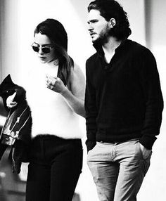 Emilia Clarke and Kit Harington out and about in Los Angeles, Feb. Clarke Game Of Thrones, Got Game Of Thrones, Kit And Emilia, A Dream Of Spring, Emilia Clarke Daenerys Targaryen, Kit Harrington, Game Of Trones, 1 Film, Got Memes