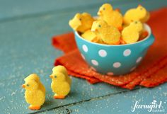 "ADORABLE! Homemade ""Peeps"" Marshmallow Chicks via @Brenda - a farmgirl's dabbles"