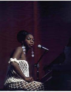 "didierleclair: ""DREAM CATCHER, CARRY THE SHOW Nina Simone, ready to play """