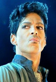 Prince just oozing with confidence and emotions on stage ■● Prince Images, Dearly Beloved, Music Images, Roger Nelson, Prince Rogers Nelson, Purple Reign, 3 In One, My Prince, Beautiful One