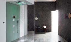 Fantastiche immagini in doccia a cascata su ardesia