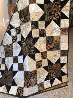 this easy PDF quilt pattern which uses fat quarters or yard requirements are provided. Simply Stunning Quilt Pattern Try this easy PDF quilt pattern which uses fat quarters or Star Quilt Blocks, Star Quilt Patterns, Star Quilts, Easy Quilts, Pattern Blocks, Fat Quarter Quilt Patterns, Quilts For Men Patterns, Easy Quilt Patterns Free, Patchwork Patterns