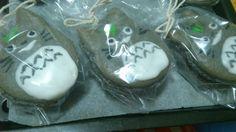 Totoro macarons. Thanks to Rosanna Pansino's tutorial. :)