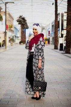 long cardigan hijab look, Modest street hijab fashion http://www.justtrendygirls.com/modest-street-hijab-fashion/