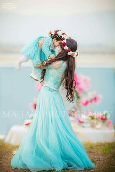 Whatsapp Cute Girl Dpz Stylish Dpz for whatsapp cute pic Mom Daughter Matching Dresses, Mom And Baby Dresses, Flower Girl Dresses, Princess Dresses, Mother Daughter Fashion, Daughter Love, Mother Daughters, My Beautiful Daughter, Beautiful Children