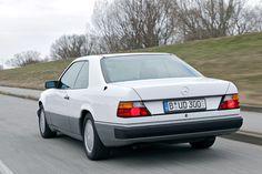 Die Baureihe W 124 kommt in vielen Varianten: Kein Mercedes kombiniert Motoren und Karosserien so vielfältig wie die E-Klasse der Baureihe 124.