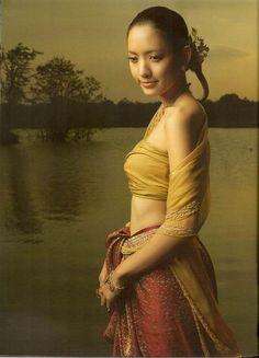 PANTIP.COM : A13055818 ____สวยสง่า ดารากับชุดไทย_____ [ดารา-นักแสดง]
