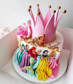 Custom Princess Birthday Party Ideas and Decorations Disney Princess Birthday Cakes, 4th Birthday Cakes, Disney Birthday, Pink Princess Cakes, Princess Theme Cake, Princess Party Games, Birthday Crowns, Princess Disney, Birthday Celebration