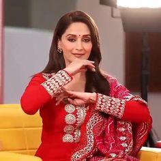 Actress Aishwarya Rai, Bollywood Actress, Madhuri Dixit Hot, Dj Movie, Cute Songs, Alia Bhatt, Beautiful Indian Actress, Timeless Beauty, Ganesh