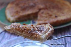 Tapitas y Postres: Hojaldre con crema de almendras.