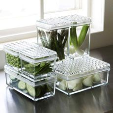 Get rid of plastic!  Opt for glass food storage #eco-friendly #kitchens