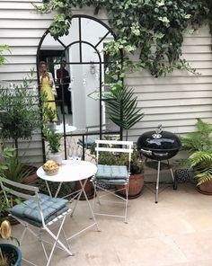 Table de jardin ronde en verre haut pieds rabattables Patio Extérieur Peint Papillon Design