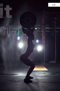 lo que ve la cámara La geometria desnuda de la fuerza... perfecta  -   Dominika Cuda http://loquevelacamara.blogspot.com.es/